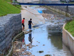 falta de saneamento básico no brasil