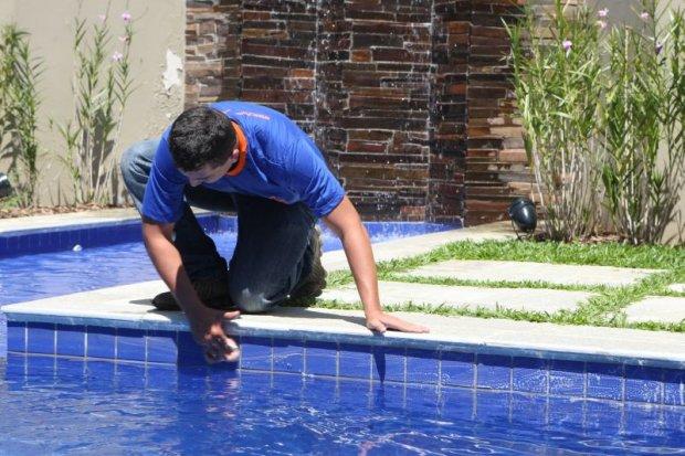Empresa especializada em desentupimento de piscina